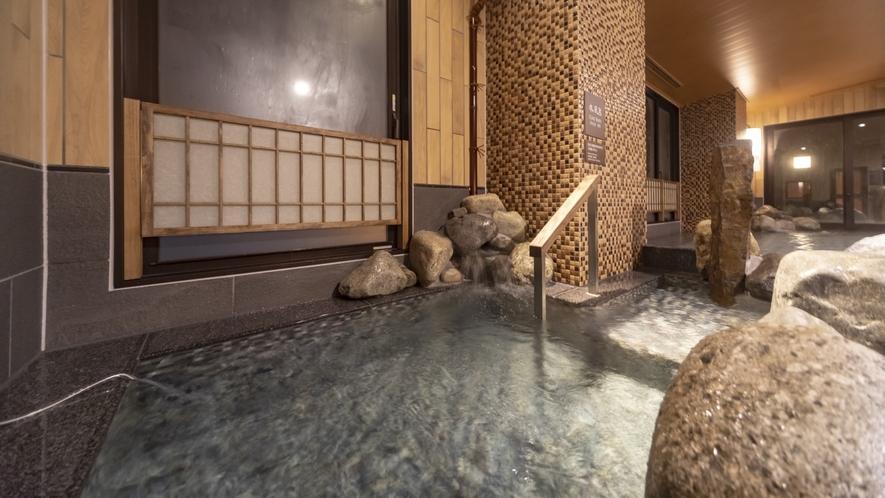 ■男性大浴場 水風呂 16~17℃