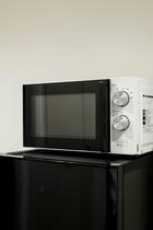 キッチンに備え付けの電子レンジ