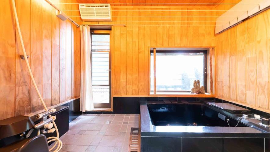 ・【1階】木の香りに包まれた浴室でリラックスしてください