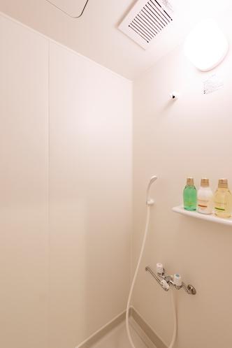 共用シャワー 内側