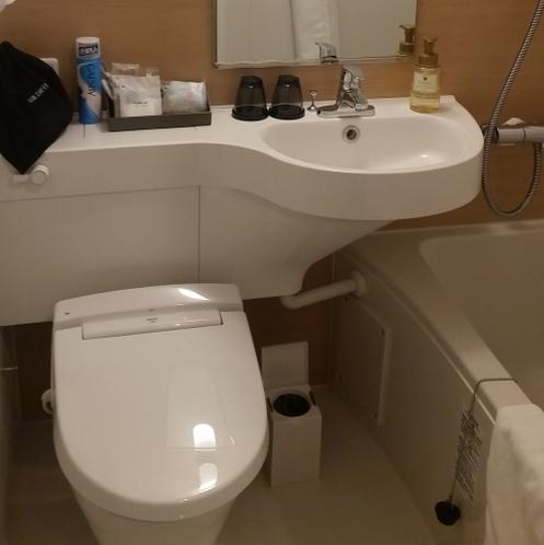お風呂とトイレは一緒のユニットバス