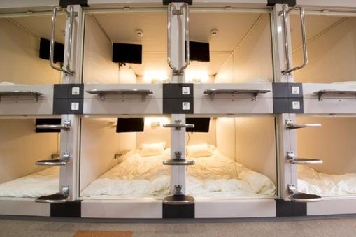 新品カプセルベッド 全室テレビ付き 駐車場無料 手ぶらOK