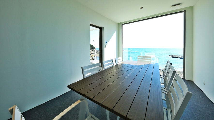 *【プライベート棟】2階には冷暖房完備の休憩スペースもございます