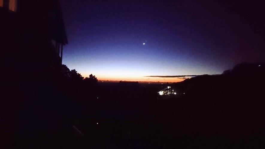 テラスからの眺め 早朝