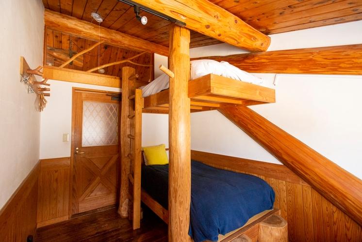 河津ログハウス 寝室2
