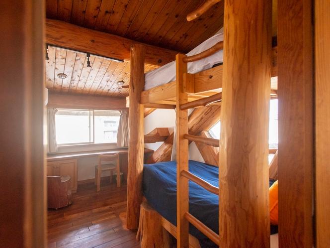 河津ログハウス 寝室1