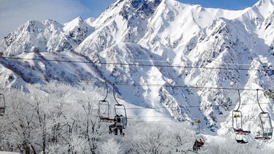 *【周辺観光_エイブル白馬五竜】アルプスが目の前に迫る圧巻のスキー場です。