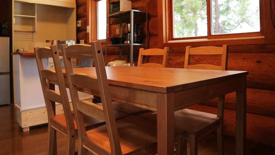 *【コテージB棟/キッチン】炊飯器、電子レンジ、トースター、湯沸しポット、コーヒーメーカー完備