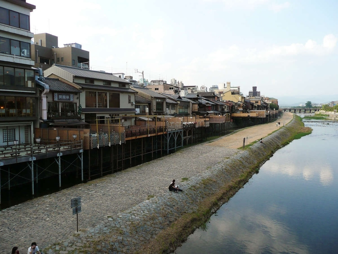 ◆周辺観光地◆鴨川(川床)