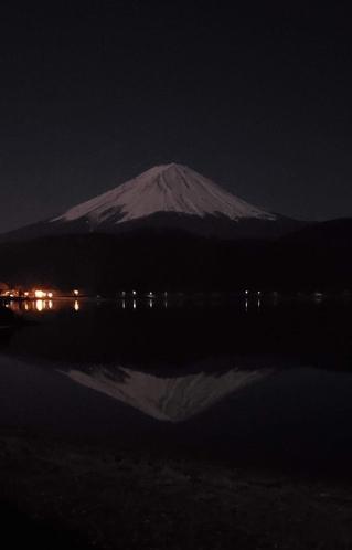 レアショット夜の逆さ富士!!!