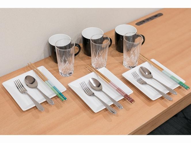 食器類のご用意があります 調理後の盛り付けやグループでのお取り分けにご利用ください