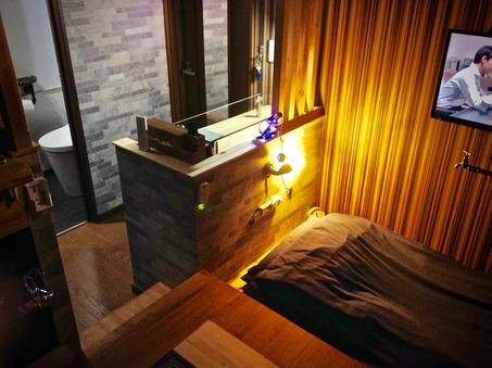 <瑠璃の間:202号室> 埋込式シングルベッド+布団