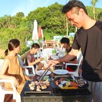 【リゾートBBQ】BBQとなれば、今日のシェフはお父さん!カッコイイ姿に家族も笑顔♪