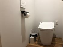 トイレ 各階に2つあります。