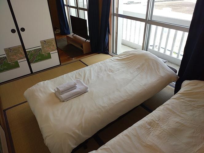 スタンダードルーム 2F 寝室1