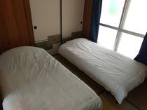 スタンダードルーム 2F 寝室2