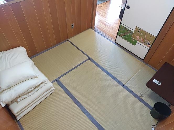 スタンダードルーム 2F 寝室3