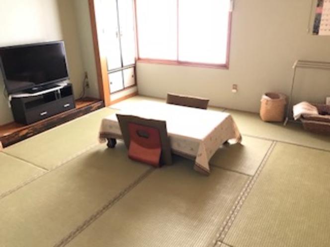10畳間(つばき)