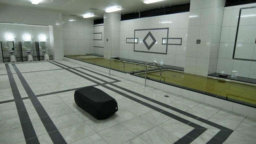 大浴場(男性用) 3:00p.m.~深夜1:30 6:00a.m.~10:00a.m.