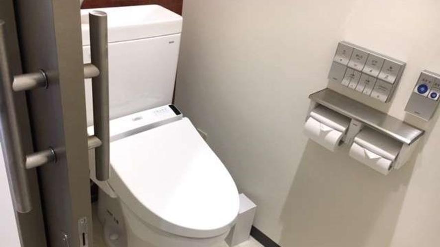お手洗いもございます