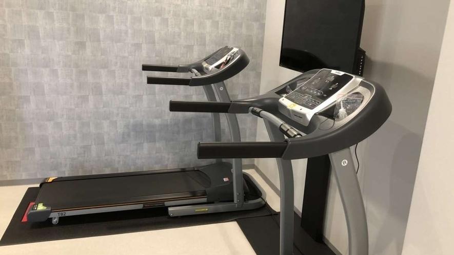 【リラクゼーションルーム】24時間利用可、トレーニングマシン利用無料(宿泊・大浴場利用のお客様)