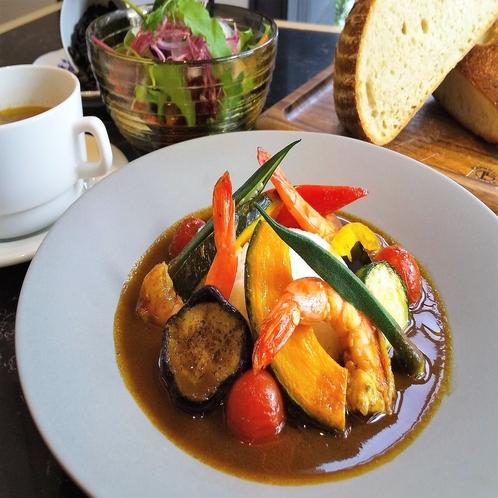 【LUNCH】スープカレー ※写真はイメージです