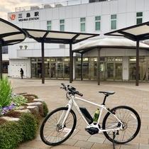 新幹線の停車駅でもある三島駅、三島大社や源平川などの観光地へのアクセスも抜群です。