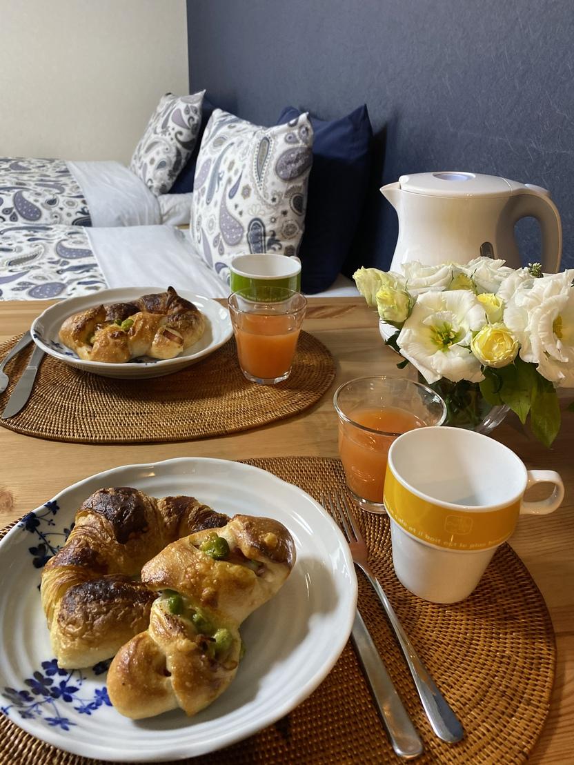 ベッドと朝食