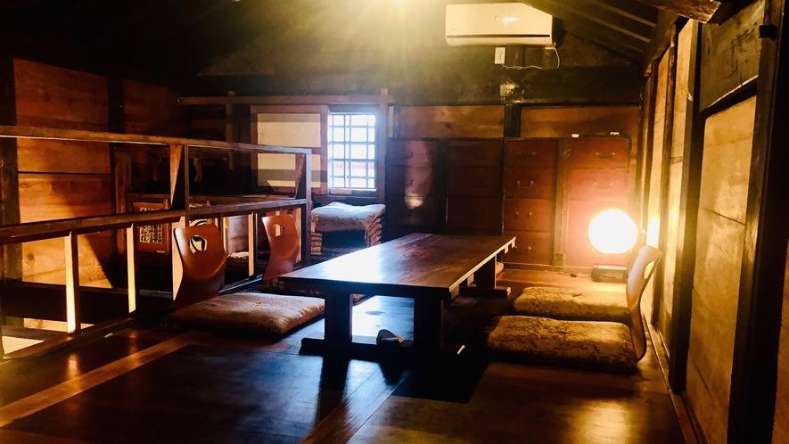 ・【コミュニティスペース蔵】明治に造られた蔵を改装しお客様の憩いの場としました。