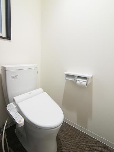 スタンダードツインの部屋内のトイレ
