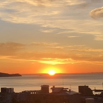 ■全室東向き。相模湾からのぼる朝日