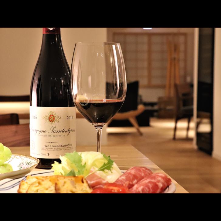 オーナーセレクトのワインとカジュアルフレンチのマリアージュをお楽しみ下さい