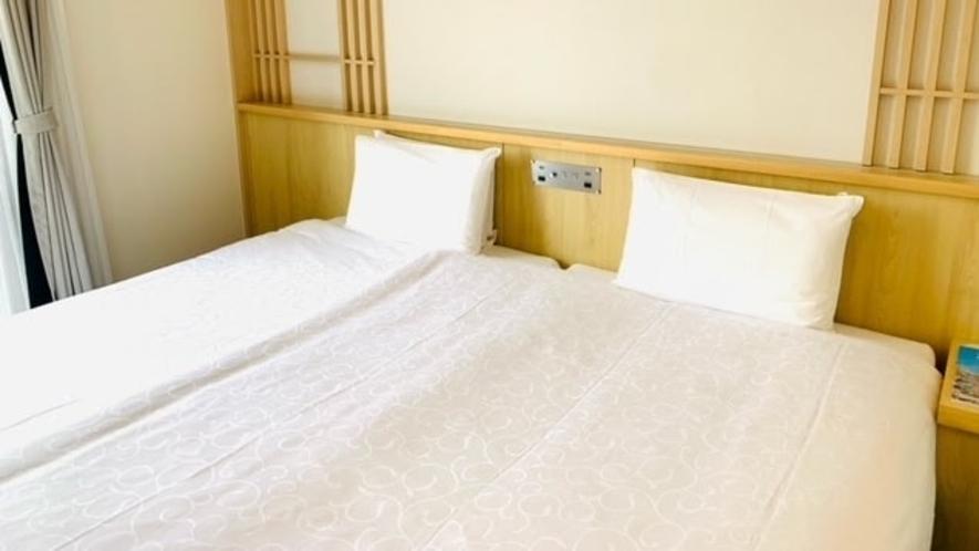 ファイテンハリウッドツイン ベッド2台を隙間なく寄せた横幅220㎝の広々としたベッド