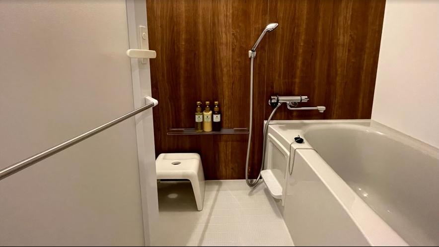 ツイン・ダブル共通 洗い場付バスルームでゆったりと