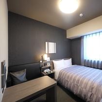 コンフォートセミダブルルーム《エアウィーブ寝具導入》:ベッド幅140×200