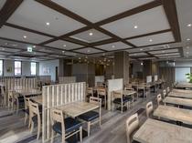 広々としたレストラン会場でゆっくりとお食事を楽しんで頂けます。営業時間6:30~9:00