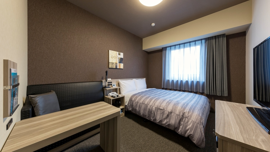 スタンダードセミダブルルーム:ベッド幅140×200