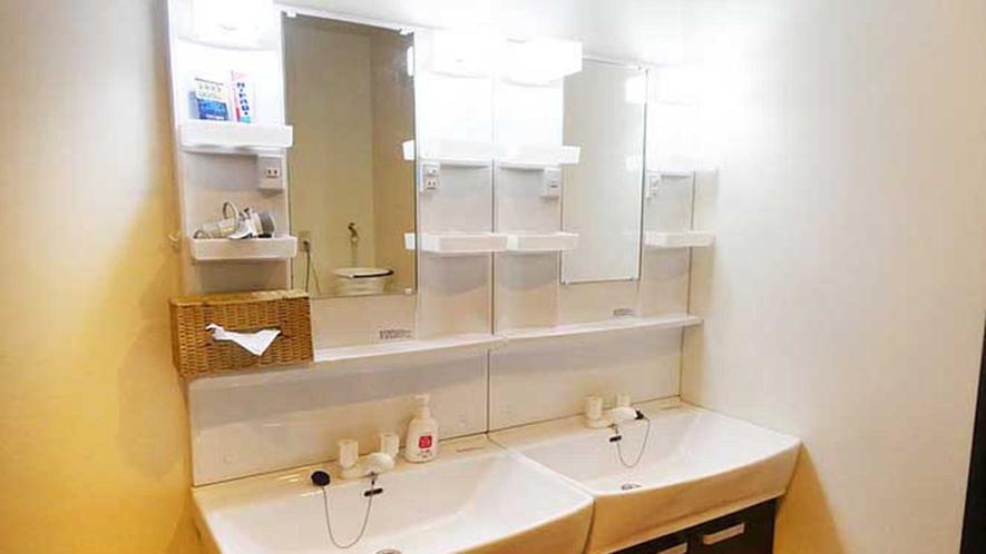 ・【共有】広くお使いいただける洗面所