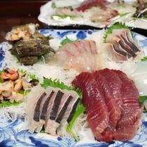 夕食一例/お刺身は獲れたて新鮮!島グルメを存分にお楽しみ下さい☆
