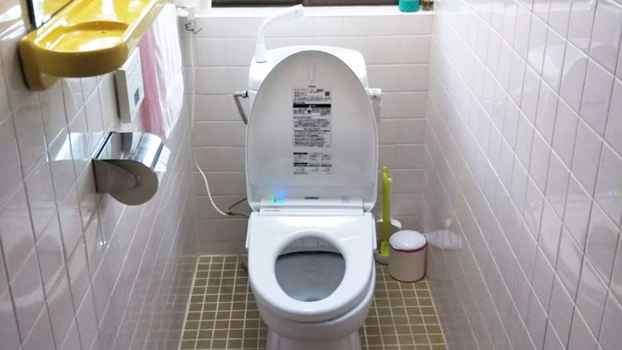 *お部屋にトイレはございません。共同の水洗トイレをご利用下さい。