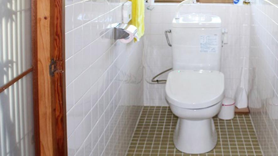 トイレ/お部屋にトイレはございません。共同をお使いください