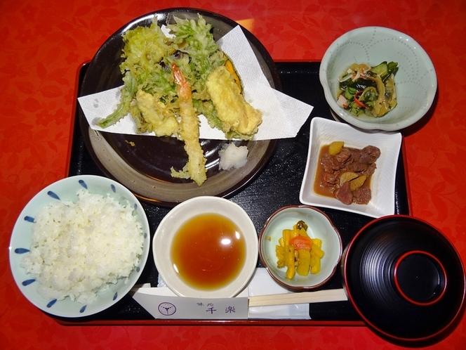 選べる夕食「季節の天ぷら定食」