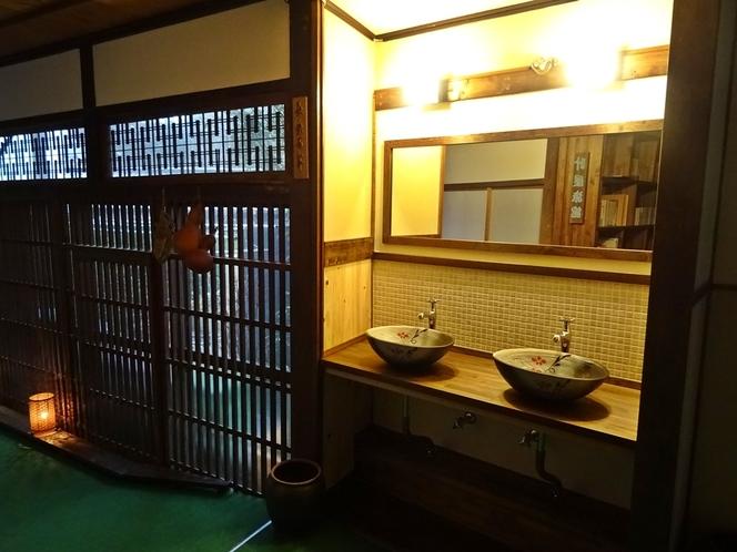 手作りの洗面所