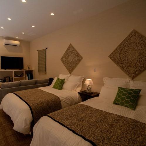 ムーディな寝室。