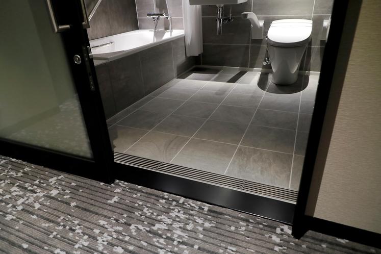 420号室バスルーム入口