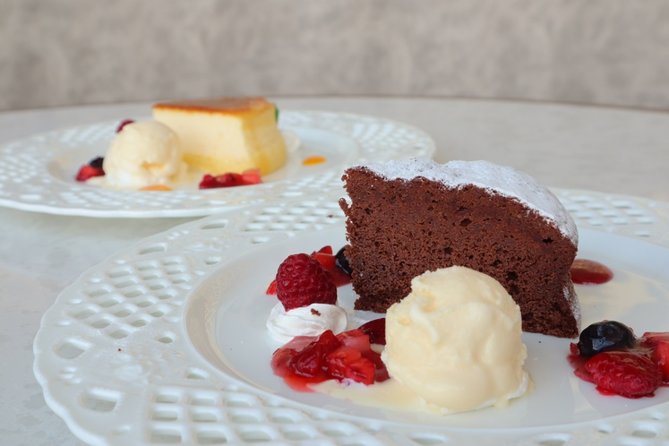 ケーキ一セット2種一例
