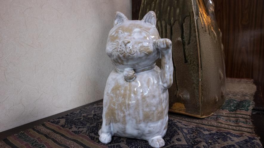 *【館内/招き猫】探してみてね♪縁起物の置物などが飾られた癒しとパワーが詰まった館内