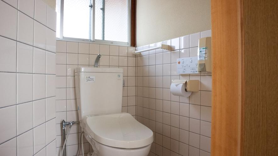 *【館内/共用トイレ】洗浄機能付トイレ完備!