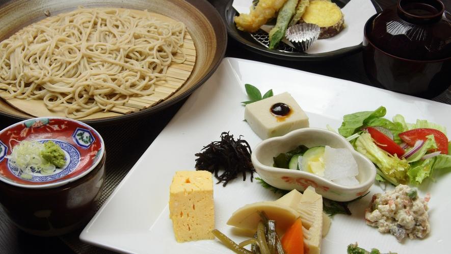 *【そば処まつずみ】7品の小鉢と天婦羅などを食せるお得な「木の花膳」