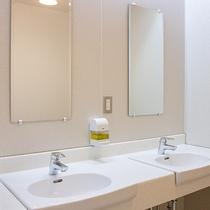 *【館内/共用洗面所】洗顔や歯磨きはこちらでお願いします